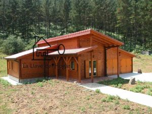 casa de diseño con tronco recto modelo LLoret
