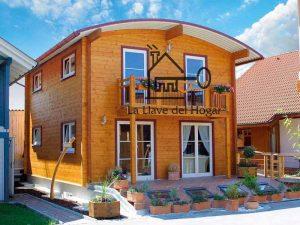 casa de madera de atrevido diseño con tejado curvo de matracrilato