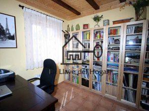 despacho en interior de casa prefabricada