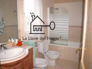 baño con mampara