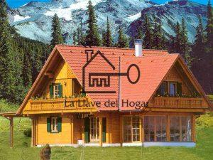 casa de madera modelo Alcazaba con tejado a cuatro aguas y amplias vidrieras