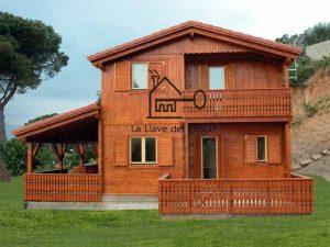 casa de troncos rectos modelo Peñalara con terraza y porche integrados