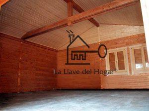 interior de un garaje de madera para dos coches