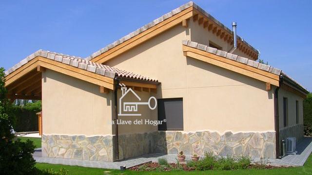 Fachadas con zocalo de piedra finest flashup with - Zocalos de fachadas ...