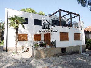 casa de entramado ligero con tejado plano