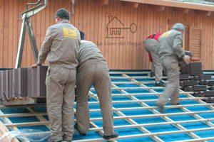 colocando tejado